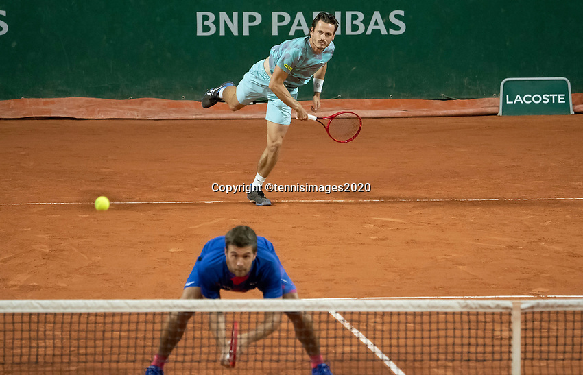 Paris, France, 30 May, 2020, Tennis, French Open, Roland Garros, Men's doubles: Wesley Koolhof (NED) (back) and Nikola Mektic (CRO)<br /> Photo: Susan Mullane/tennisimages.com