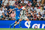 Gareth Bale (R) of Real Madrid fights for the ball with Francisco Portillo Soler of Getafe CF during the La Liga 2018-19 match between Real Madrid and Getafe CF at Estadio Santiago Bernabeu on August 19 2018 in Madrid, Spain. Photo by Diego Souto / Power Sport Images