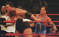 Big Show  Kurt Angle 2001                                                                      Photo by  John Barrett/PHOTOlink