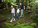 21/05/2010   Copyright  Pic : James Stewart.009_helix_green_team_walk  .::  HELIX PROJECT ::  GREENSPACE :: KIDS FROM THE HELIX GREEN TEAM ARE SHOWN AROUND THE EAST PART OF THE HELIX WOODLAND GREENSPACE  ::..