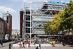 Europa, Frankreich, France, Paris, Beaubourg und Les Halles Platz vor dem Centre Pompidou Place Igor Stravinsky Brunnen Niki de Saint Phalle und Jean Tinguely, 10.09.2014