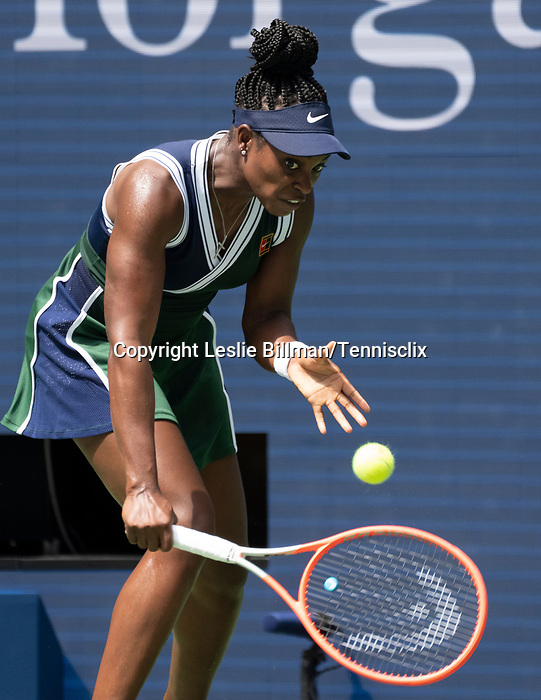 August  30, 2021:  Sloane Stephens (USA) defeated Madison Keys (USA)  6-3, 1-6, 7-6, at the US Open being played at Billy Jean King Ntional Tennis Center in Flushing, Queens, New York. Leslie Billman/Tennisclix