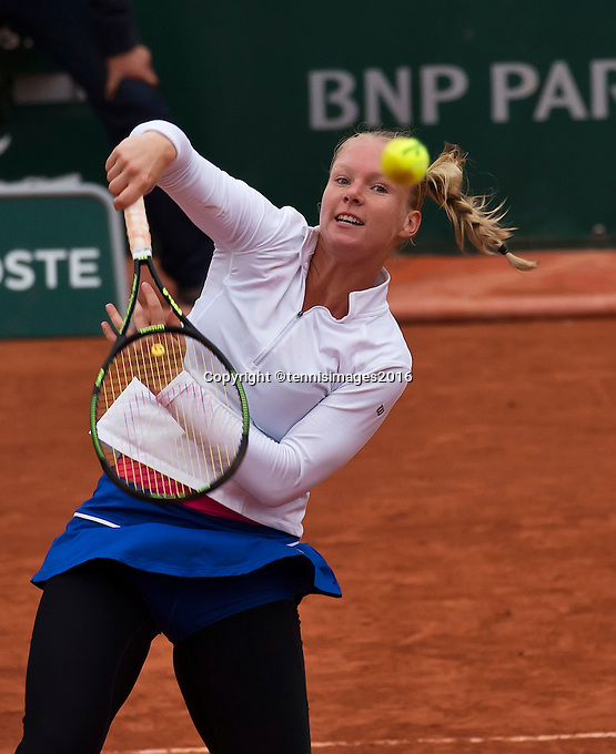 Paris, France, 01 June, 2016, Tennis, Roland Garros, Womans quarter final Kiki Bertens (NED) in her match against Timea Bacsinszky (SUI)<br /> Photo: Henk Koster/tennisimages.com