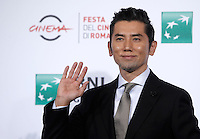 "L'attore giapponese Masahiro Motoki posa durante un photo call per la presentazione del film ""The Long Excuse"" al Festival Internazionale del Film di Roma, 18 ottobre 2016.<br /> Japanese actor Masahiro Motoki poses during a photo call to present the movie ""The Long Excuse"" during the international Rome Film Festival at Rome's Auditorium,18 October 2016.<br /> UPDATE IMAGES PRESS/Isabella Bonotto"
