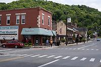 Hinton, West Virginia. 2nd Avenue Street Scene.