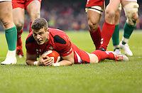 Pictured: Scott WIlliams of Wales scores a try Saturday 14 March 2015<br />