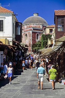Griechenland, Dodekanes, Rhodos, Rhodos-Stadt: Altstadt mit Moschee | Greece, Dodekanes, Rhodes, Rhodes-City: old town with mosque
