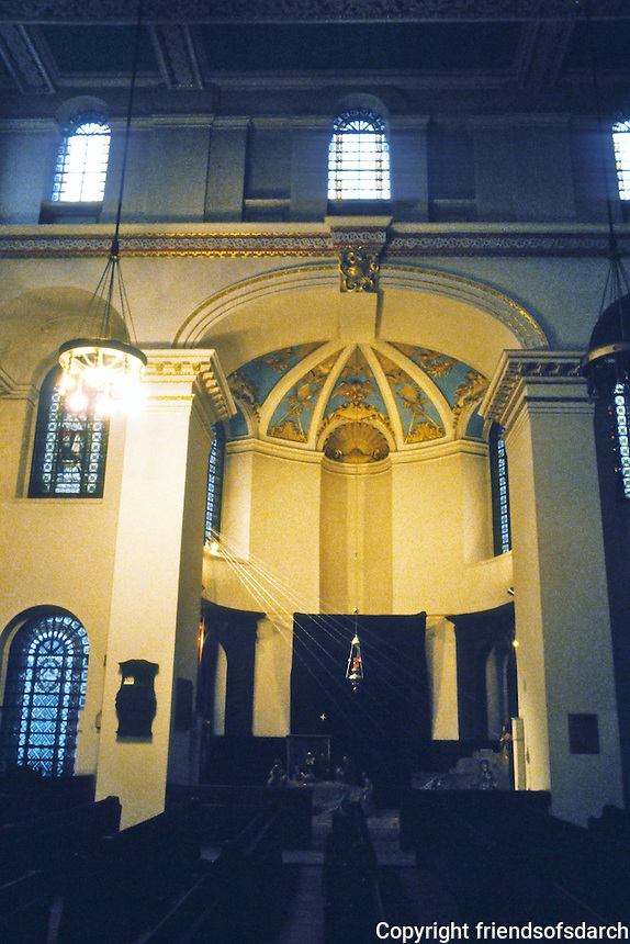 Nicholas Hawksmoor: St. George, Bloomsbury. Interior. Photo '90.