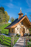 Oesterreich, Salzburger Land, Pinzgau: die Herz-Jesu-Kapelle oberhalb von Thumersbach am Zeller See | Austria, Salzburger Land, Pinzgau region:  Herz-Jesu-Chapel above Thumersbach at Zeller Lake