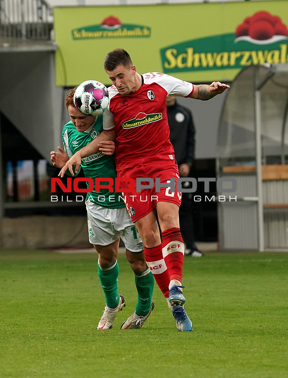 17.10.2020, Schwarzwald Stadion, Freiburg, GER, 1.FBL, SC Freiburg vs SV Werder Bremen<br /> <br /> im Bild / picture shows<br /> Josh Sargent (Bremen), Baptiste Santamaria (Freiburg)<br /> <br /> Foto © nordphoto / Bratic<br /> <br /> DFL REGULATIONS PROHIBIT ANY USE OF PHOTOGRAPHS AS IMAGE SEQUENCES AND/OR QUASI-VIDEO.