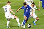 Real Madrid's Toni Kroos (l) and Carlos Henrique Casemiro (r) and Chelsea FC's Christian Pulisic during UEFA Champions League Semi-finals 1st leg match. April 27,2021.(ALTERPHOTOS/Acero)