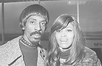 Ike & Tina TURNER,<br /> , January 28, 1971,<br />  Holland, Schiphol Airport,<br /> <br /> Photographer Fotograaf Onbekend / Anefo