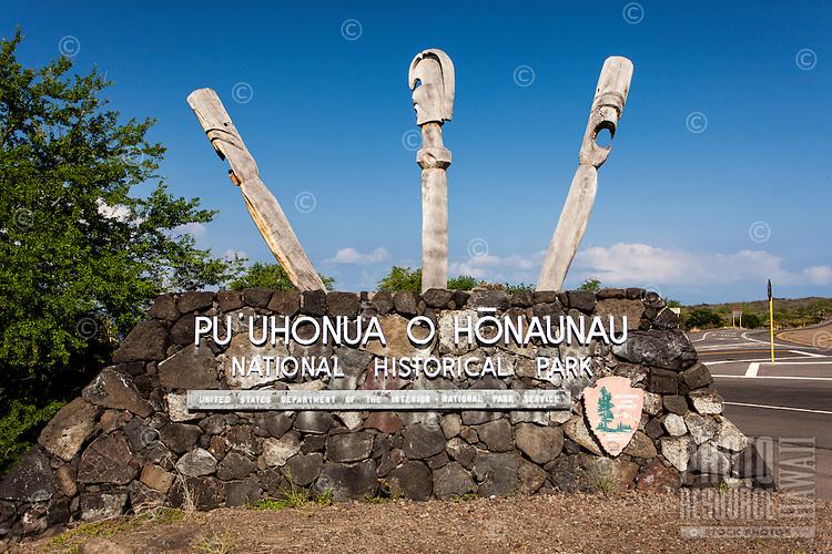 Entrance sign for Pu'uhonua (Place of Refuge) o Honaunau National Historical Park, Big Island.