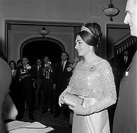 Jean Lesage recoit Le Shah d'Iran Mohammad Reza Chah Pahlavi et sa femme, au Chateau Frontenac durant leur  en visite dans la ville de Quebec, le 23 mai 1965.<br /> <br /> PHOTO : Agence Quebec Presse - Photo Moderne