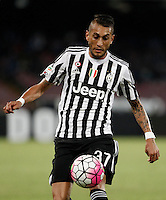 Calcio, Serie A: Napoli vs Juventus. Napoli, stadio San Paolo, 26 settembre 2015. <br /> Juventus' Roberto Pereyra in action during the Italian Serie A football match between Napoli and Juventus at Naple's San Paolo stadium, 26 September 2015.<br /> UPDATE IMAGES PRESS/Isabella Bonotto<br /> <br /> *** ITALY AND GERMANY OUT ***