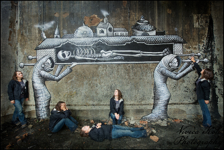 Multiplicity self portrait with artwork by Phlegm, Sheffield http://www.vivecakohphotography.co.uk/2011/07/18/procession/