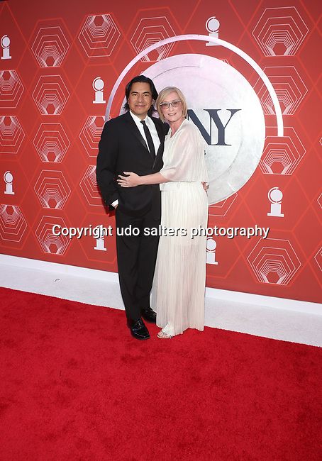 Felix Cisneros III Heather Hitchens attend the 74th Tony Awards-Broadway's Back! arrivals at the Winter Garden Theatre in New York, NY, on September 26, 2021. (Photo by Udo Salters/Sipa USA)