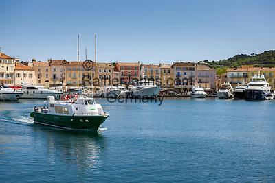 Frankreich, Provence-Alpes-Côte d'Azur, Saint-Tropez: Blick von der Prómenade du Môle Jean-Réveille ueber den Yachthafen  France, Provence-Alpes-Côte d'Azur, Saint-Tropez: marina