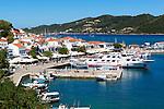 Greece, Thessaly, Northern Sporades, Island Skiathos: Skiathos-Town and harbour | Griechenland, Thessalien, Noerdliche Sporaden, Insel Skiathos: Skiathos-Stadt und Hafen