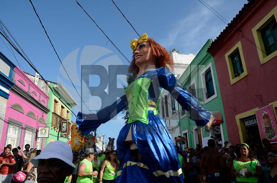 OLINDA, PE, 31.01.2016 – CARNAVAL-PE – Foliões se divertem no Pré-Carnaval na cidade de Olinda (PE), na tarde deste domingo (31). (Foto: Diego Herculano/Brazil Photo Press)