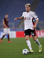 Calcio, Champions League, Gruppo E: Roma vs Bayer Leverkusen. Roma, stadio Olimpico, 4 novembre 2015.<br /> Bayer Leverkusen's Kevin Kampl in action during a Champions League, Group E football match between Roma and Bayer Leverkusen, at Rome's Olympic stadium, 4 November 2015.<br /> UPDATE IMAGES PRESS/Isabella Bonotto