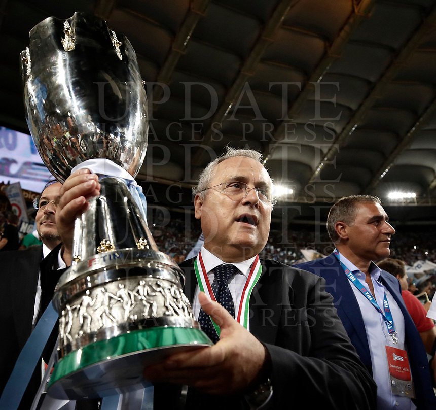 Calcio, Football - Juventus vs Lazio Italian Super Cup Final  <br /> Lazio's President Claudio Lotito celebrates with the trophy after winning the Italian Cup Final match at Rome's Olympic stadium, on August 13, 2017.<br /> UPDATE IMAGES PRESS/Isabella Bonotto