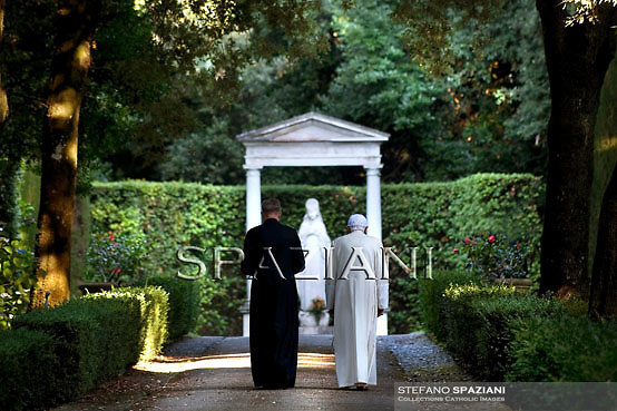 Pope Benedict XVI (R) walks with his secretary Bishop George Gaenswein in the garden of the papal summer retreat of Castel Gandolfo, on July 23, 2010 on the hills in the outskirts of Rome. SPAZIANI/ POOL/ OSSERVATORE ROMANO
