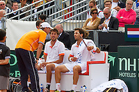 15-09-12, Netherlands, Amsterdam, Tennis, Daviscup Netherlands-Suisse, Doubles, Robin Haase/Jean-Julian Rojer  on the Dutch bench with captain Jan Siemerink