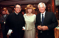 260697:  MANDARIN RECEPTION: HONG KONG<br /> <br /> (From right to left)<br />  Chris Patten, Stephanie Powers, David Tang at the Mandarin Oriental Hotel, Hong Kong.<br /> <br /> PHOT BY RICHARD JONES / SINOPIX
