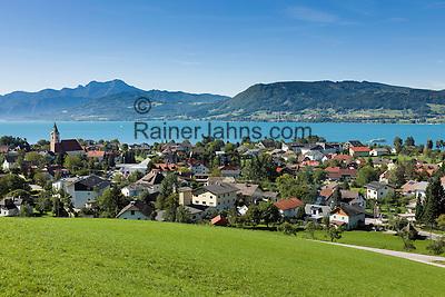 Austria, Upper Austria, Salzkammergut: view across village Weyregg am Attersee | Oesterreich, Oberoesterreich, Salzkammergut: Blick ueber den Ort Weyregg am Attersee