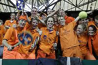 10-2-06, Netherlands, tennis, Amsterdam, Daviscup.Netherlands Russia, Raemon Sluiter in action against Dmitry Tursonov in action against Raemon Sluiter.