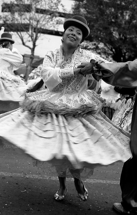 02.2010 La Paz (Bolivia)<br /> <br /> Danseuse lors du carnavl de La Paz.<br /> <br /> Dancer during the carnival of La Paz.