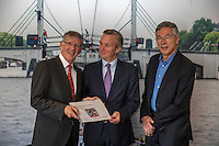 Amsterdam, The Netherlands, September 28, 2016,  City Hall, KNLTB hands over a report for more tennisclubrts in Amsterdam, Ltr: Victor Frequin, Eric van der Burg and Rolf Thung.<br /> Photo: Tennisimages/Henk Koster