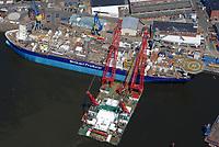 Enquest Producer bei Blohm und Voss : EUROPA, DEUTSCHLAND, HAMBURG, (EUROPE, GERMANY), 09.06.2013: Enquest Producer bei Blohm und Voss. Das Schiff Spezialschiff kommt dort zum Einsatz, wo es keine Pipeline-Verbindung zum Festland gibt. Blohm un Voss baut das Produktions- und Lagerschiff der Offshore-Erdölindustrie fuer 75 Millionen Euro um.  Auftraggeber ist der britische Öl- und Gasförderer Enquest