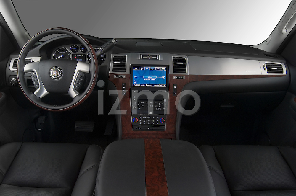 Dashboard view of a 2007 Cadillac Escalade EXT