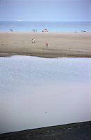 Capo Carbonara, Villasimius (Cagliari), Porto Giunco. La Spiaggia e lo Stagno Notteri nel tardo pomeriggio --- Cape Carbonara, Villasimius (Cagliari), Porto Giunco. The Beach and Pond Notteri late in the afternoon
