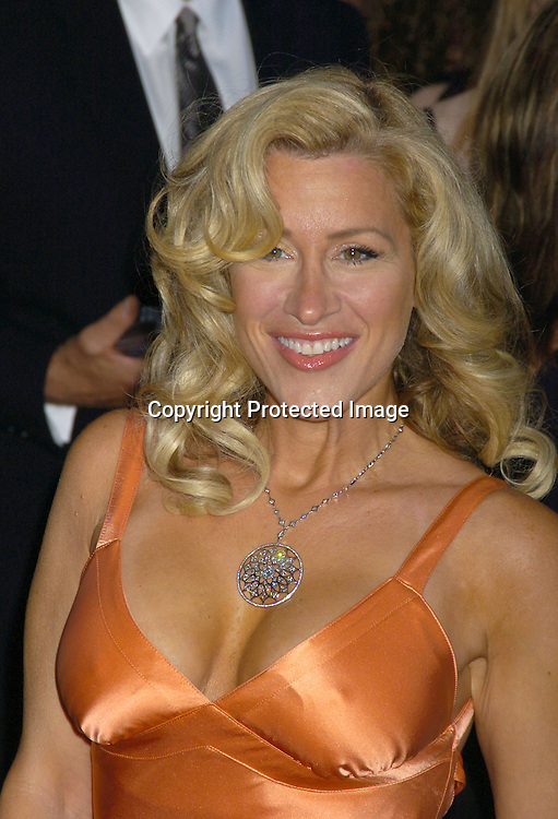 """Lisa Ann Walter.at the US Premiere of """"War of the World"""" on June 23, 2005 at The Ziegfeld Theatre. .Photo by Robin Platzer, Twin Images"""