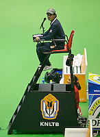 18-12-13,Netherlands, Rotterdam,  Topsportcentrum, Tennis Masters, Umpire in chair  <br /> Photo: Henk Koster