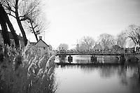 peloton crossing the Damse Vaart (near Bruges)<br /> <br /> 3 Days of West-Flanders <br /> stage 1: Brugge - Harelbeke 183km