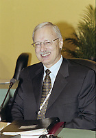 Gordon G. Thiessen<br /> ,Governor of the Bank of Canada <br /> attend the Summit of G-20 Countries in Ottawa on Saturday, November 17, 2001.<br /> <br /> PHOTO : Agence Quebec Presse