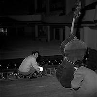 23 mars 1968. Vue de Gilbert Bécaud  au théâtre du Capitole.