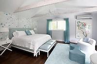 classic designed bedroom