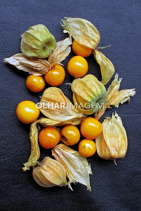 Alimentos. Frutas. Uchuva ( Phisalis). Foto Juca Martins