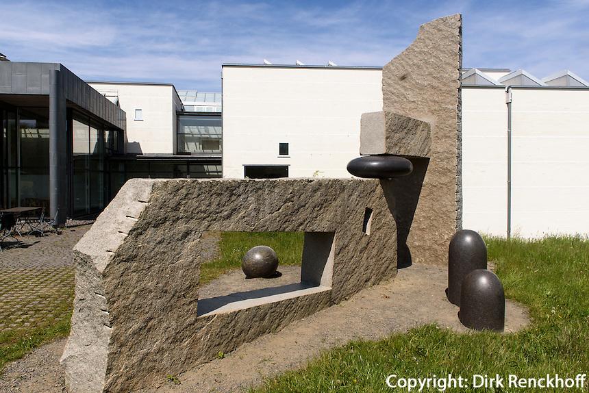Plastik von Jun-Ichi Inoue, Bornholm Kunstmuseum, Architekten Johan Fogh und Per Følner  auf der Insel Bornholm, Dänemark, Europa<br /> sculpture by Jun-Ichi Inoue, Bornholm Arts-Museum, Isle of Bornholm Denmark