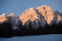 Europe/Italie/Vénétie/Dolomites/Cortina d'Ampezzo: lumière du soir sur le Massif des Dolomites