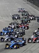 Verizon IndyCar Series<br /> Chevrolet Detroit Grand Prix Race 2<br /> Raceway at Belle Isle Park, Detroit, MI USA<br /> Sunday 4 June 2017<br /> Scott Dixon, Chip Ganassi Racing Teams Honda and traffic<br /> World Copyright: Michael L. Levitt<br /> LAT Images