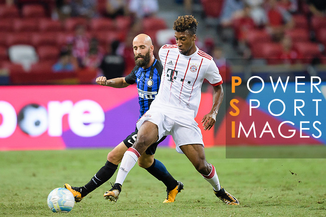 Kingsley Coman of Bayern (R) in action against FC Internazionale Midfielder Borja Valero (L) during the International Champions Cup match between FC Bayern and FC Internazionale at National Stadium on July 27, 2017 in Singapore. Photo by Weixiang Lim / Power Sport Images