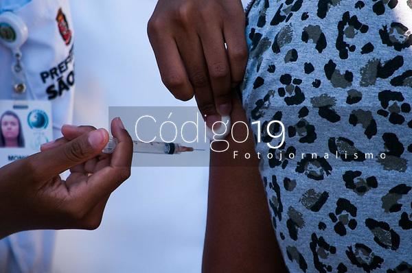 SÃO PAULO, SP, 27.07.2019: Vacinação Tríplice Viral -  Multirão  Perus - Anhanguera  conta com campanha de vacinação contra a tríplice viral sarampo , caxumba e rubéola neste sábado (27) no bairro de Perus  região oeste da cidade de São Paulo SP. (Foto: Roberto Costa /Código 19).