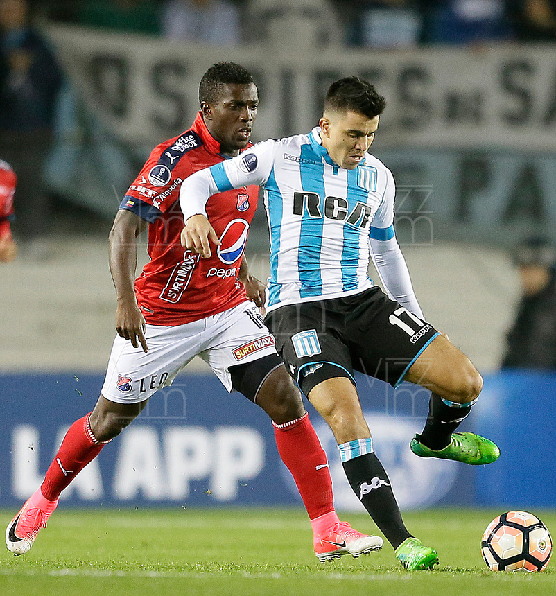 AVELLANEDA - ARGENTINA - 29 - 06 - 2017: Marcos Acuña (Der.) jugador de Racing Club, disputa el balon con Edison Toloza (Izq.) jugador de Deportivo Independiente Medellin, durante partido entre Racing Club de Argentina y Deportivo Independiente Medellin de Colombia, por la segunda fase llave 1 por la Copa Conmebol Sudamericana 2017 en el estadio Juan Domingo Peron, de la ciudad de Avellaneda. / Marcos Acuña (R) player of Racing Club, figths for the ball with Edison Toloza (L) player of Deportivo Independiente Medellin, during a match between Racing Club of Argentina and Deportivo Independiente Medellin of Colombia of the second phase, key 1 for the Copa Conmebol Sudamericana 2017, at the Juan Domingo Peron Stadium in Avellaneda city. Photo: VizzorImage / Javier Garcia Martino / Photogamma / Cont.