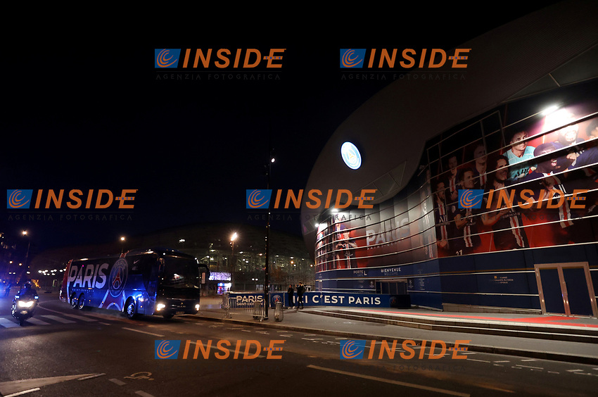 Soccer Football - Champions League - Round of 16 Second Leg - Paris St Germain v Borussia Dortmund - Parc des Princes, Paris, France - March 11, 2020  General view as the Paris St Germain team bus arrives at the stadium before the match which will be played behind closed doors as the number of coronavirus cases grow around the world    <br /> Photo Pool/Panoramic/Insidefoto